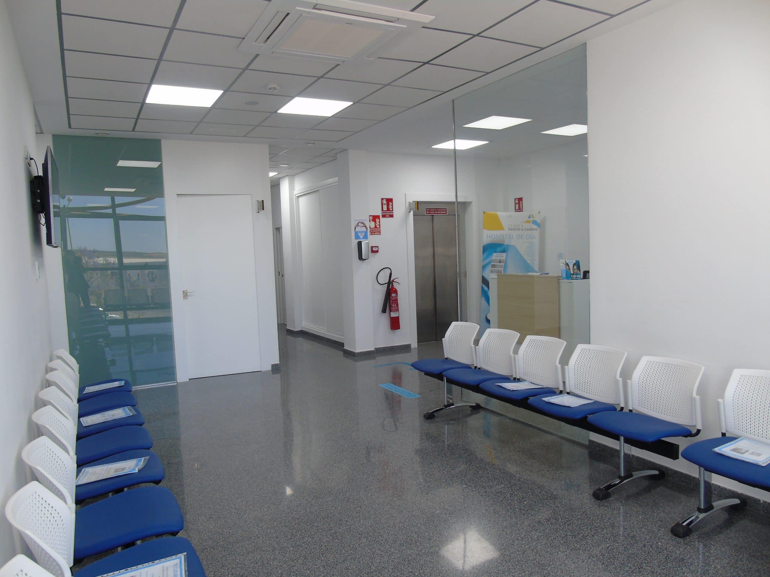 Clínica Parejo y Cañero sala de espera